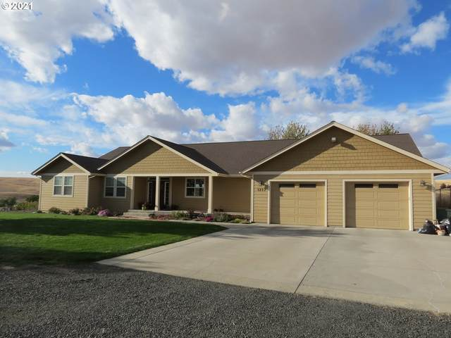 3237 SW Hailey Ave, Pendleton, OR 97801 (MLS #21682792) :: Cano Real Estate