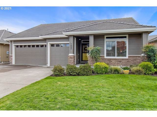 1237 Spyglass Ct, Creswell, OR 97426 (MLS #21683738) :: Song Real Estate