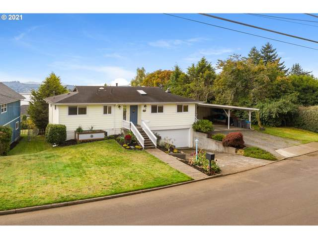 111 Mcclure Ave, Astoria, OR 97103 (MLS #21686825) :: Premiere Property Group LLC