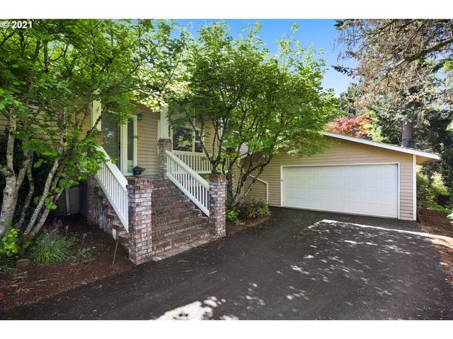 920 SW Maplecrest Ct, Portland, OR 97219 (MLS #21687106) :: Song Real Estate