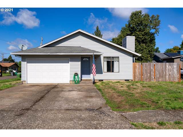 1401 E 10TH St, Newberg, OR 97132 (MLS #21689303) :: Townsend Jarvis Group Real Estate