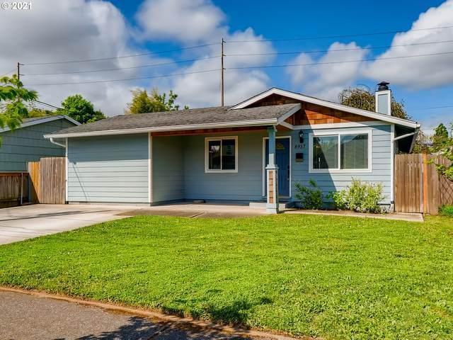 8957 N Geneva Ave, Portland, OR 97203 (MLS #21690152) :: Cano Real Estate