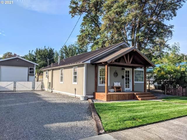 1704 K Ave, La Grande, OR 97850 (MLS #21691114) :: McKillion Real Estate Group