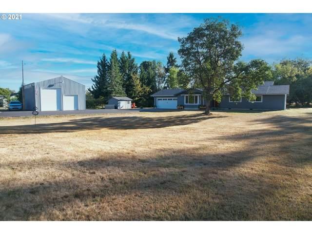 272 Evelyn St, Roseburg, OR 97471 (MLS #21693619) :: Fox Real Estate Group