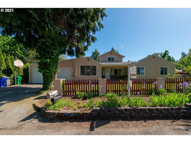 10832 NE Siskiyou St, Portland, OR 97220 (MLS #21694130) :: Premiere Property Group LLC
