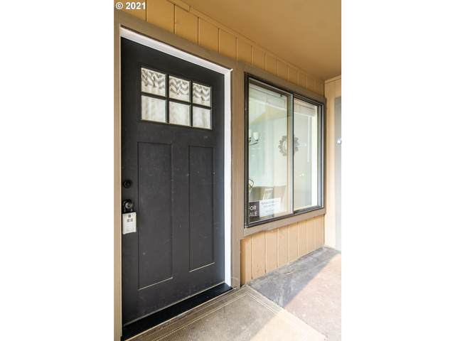 7538 SW Barnes Rd G, Portland, OR 97225 (MLS #21694148) :: Cano Real Estate