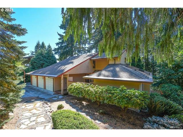 2414 Park Hill Dr, Longview, WA 98632 (MLS #21694948) :: Premiere Property Group LLC
