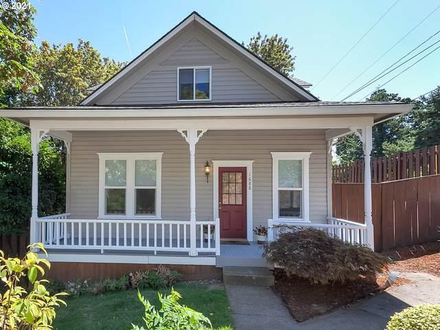 1688 Sunset Ave, West Linn, OR 97068 (MLS #21695632) :: Stellar Realty Northwest