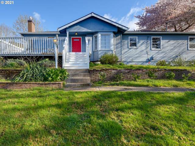 960 SW 9TH St, Dundee, OR 97115 (MLS #21697135) :: Beach Loop Realty