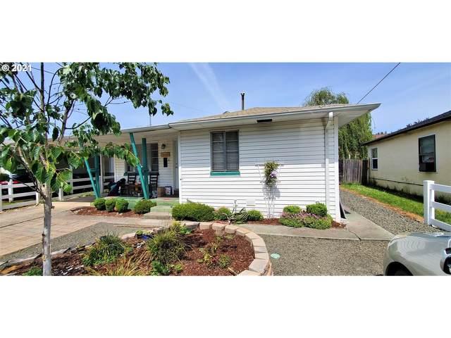 2694 NE Douglas Ave, Roseburg, OR 97470 (MLS #21697465) :: Fox Real Estate Group