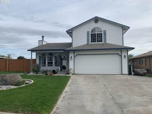 1065 Juanita Ave, Hermiston, OR 97838 (MLS #21698472) :: Duncan Real Estate Group