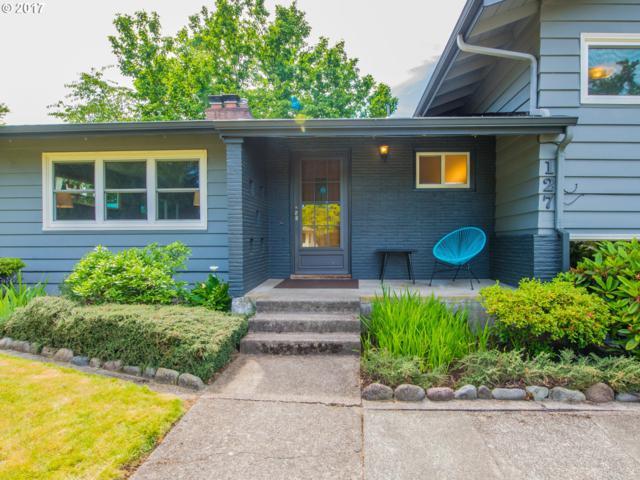 127 NE 130TH Pl, Portland, OR 97230 (MLS #17138128) :: Stellar Realty Northwest