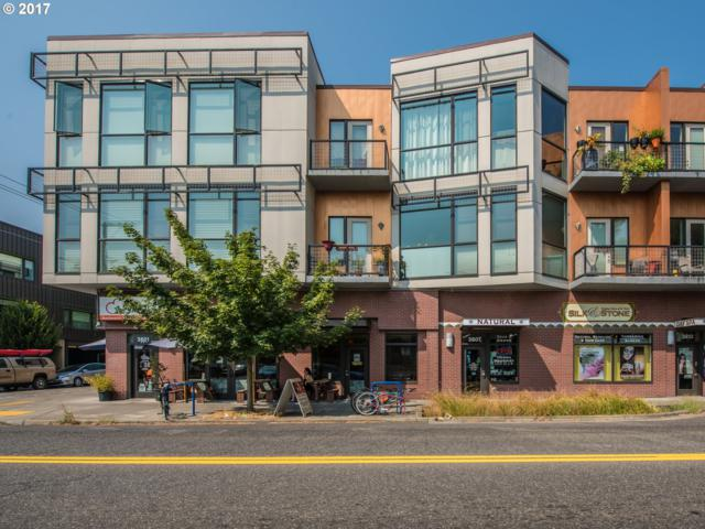 838 SE 38TH Ave #312, Portland, OR 97214 (MLS #17204404) :: Hatch Homes Group