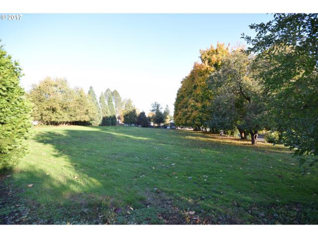 4215 SE King Rd, Milwaukie, OR 97222 (MLS #17409475) :: Holdhusen Real Estate Group