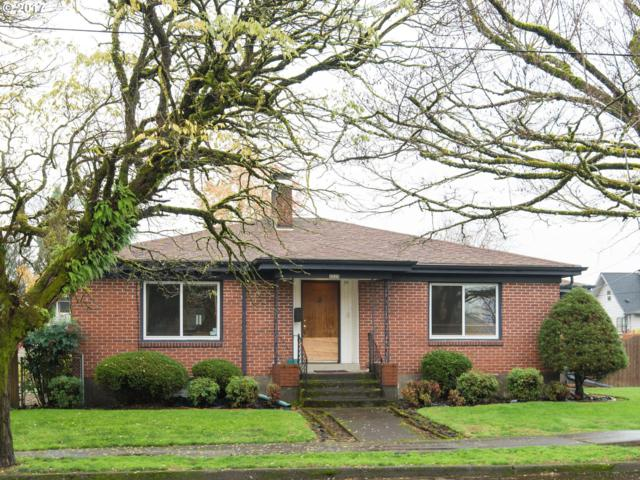 8427 SE 23RD Ave, Portland, OR 97202 (MLS #17615340) :: Hatch Homes Group
