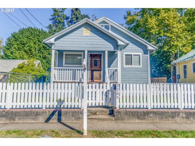 1209 E 4TH St, Newberg, OR 97132 (MLS #17674678) :: Fox Real Estate Group
