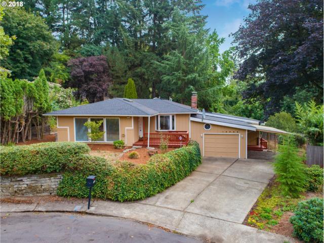 16880 Cortez Ct, Lake Oswego, OR 97035 (MLS #18005826) :: Fox Real Estate Group