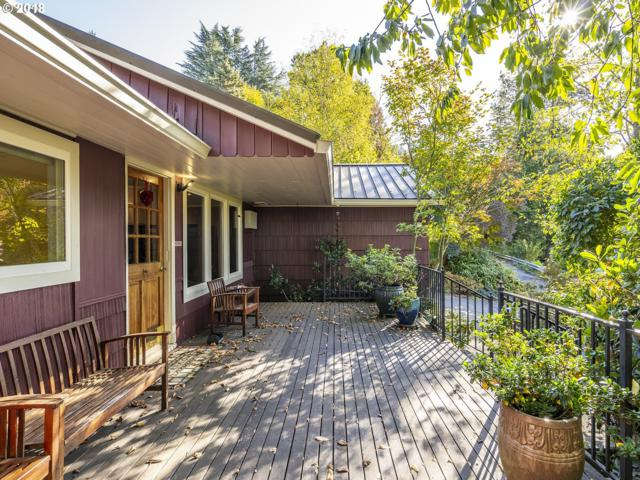 311 SW Collins St, Portland, OR 97219 (MLS #18007169) :: Hatch Homes Group