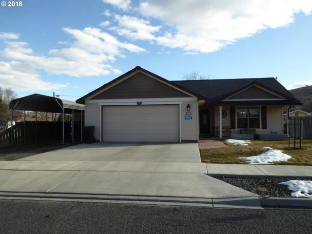 2175 Mitchell Ave, Baker City, OR 97814 (MLS #18020709) :: Cano Real Estate