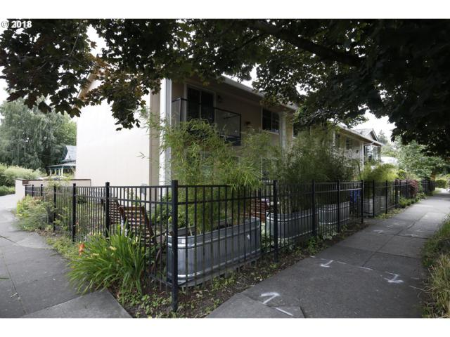 4830 SE Stark St, Portland, OR 97215 (MLS #18094720) :: Hatch Homes Group
