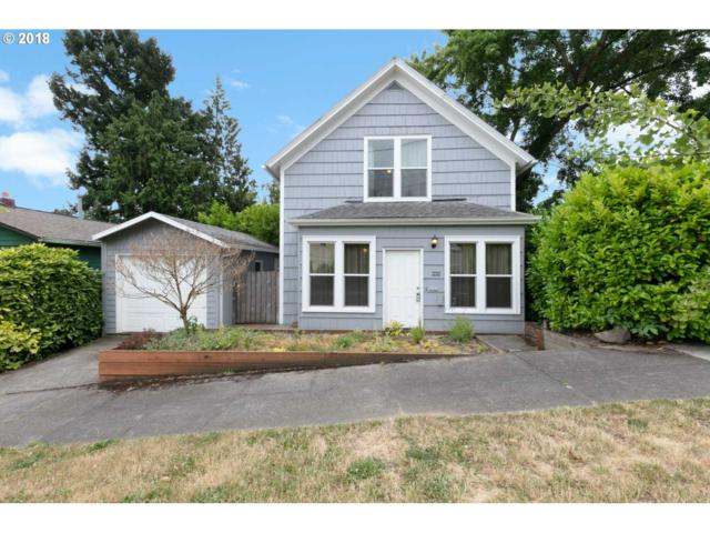 232 SW Hamilton St, Portland, OR 97239 (MLS #18191443) :: McKillion Real Estate Group