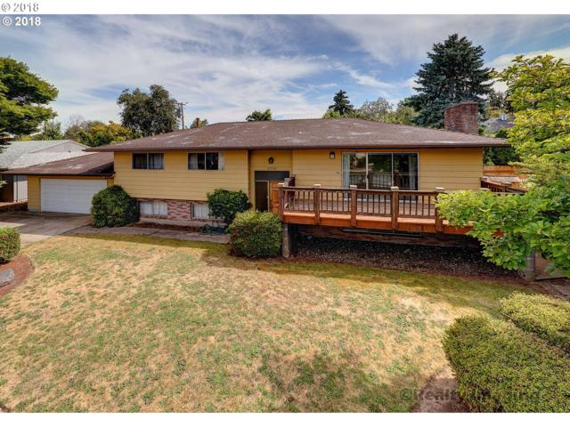 11730 NE Fargo St, Portland, OR 97220 (MLS #18192844) :: Realty Edge