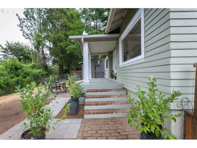 838 Ash St, Lake Oswego, OR 97034 (MLS #18203267) :: Matin Real Estate