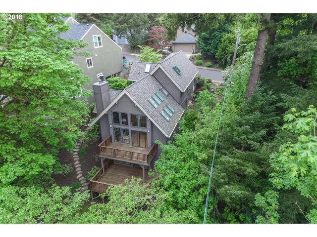 6108 SW 33RD Pl, Portland, OR 97239 (MLS #18219043) :: Hatch Homes Group