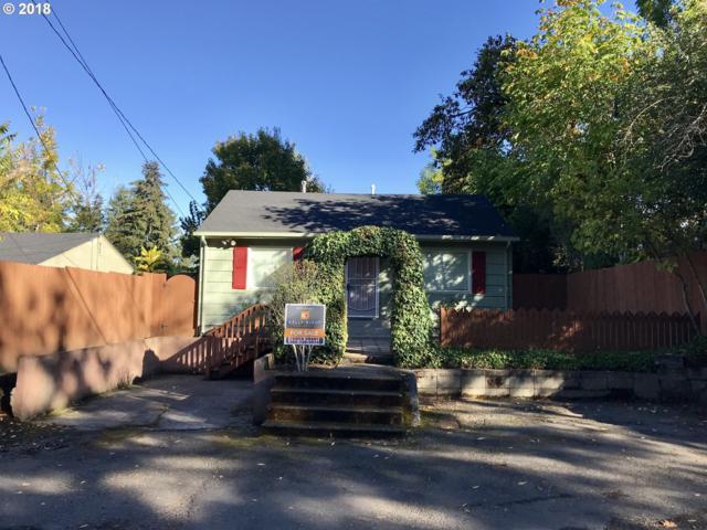 2425 SE Maple St, Milwaukie, OR 97267 (MLS #18222591) :: McKillion Real Estate Group