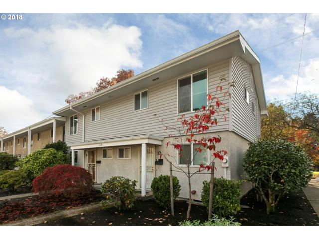 3535 SE Gladstone St #9, Portland, OR 97202 (MLS #18230865) :: Hatch Homes Group