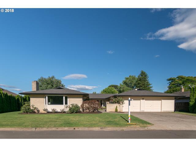 5216 SE 32ND Ave, Portland, OR 97202 (MLS #18244227) :: Hatch Homes Group
