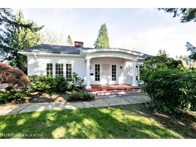 8206 SW Capitol Hwy, Portland, OR 97219 (MLS #18269208) :: Hatch Homes Group