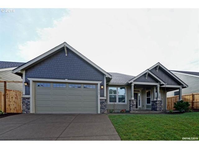 1762 SE Watson Butte Ave, Salem, OR 97301 (MLS #18290192) :: Premiere Property Group LLC
