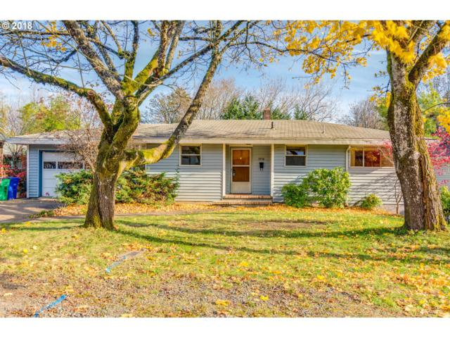 8916 SW 36TH Ave, Portland, OR 97219 (MLS #18363230) :: Cano Real Estate