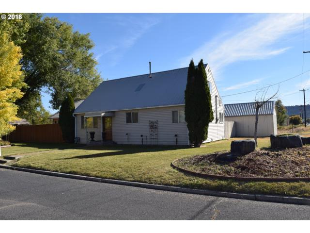 346 NW 7TH St, Prineville, OR 97754 (MLS #18367143) :: Realty Edge