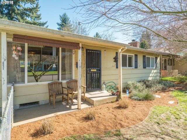 9546 N Clarendon Ave, Portland, OR 97203 (MLS #18369796) :: Hatch Homes Group