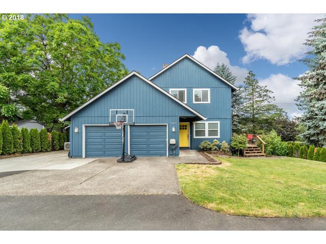 12217 SE Huron St, Clackamas, OR 97015 (MLS #18435613) :: Matin Real Estate