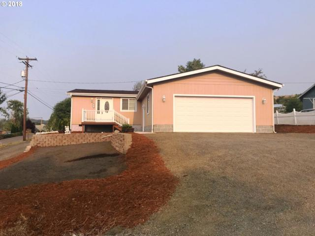 2071 Freeman Ave, Roseburg, OR 97471 (MLS #18438295) :: Portland Lifestyle Team