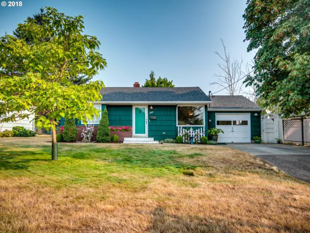 11011 NE Russell St, Portland, OR 97220 (MLS #18524571) :: The Dale Chumbley Group