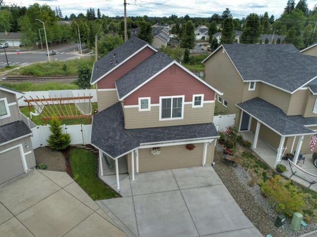 700 SE 11TH Ave, Battle Ground, WA 98604 (MLS #18661325) :: The Dale Chumbley Group