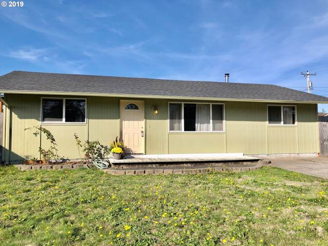 2385 18TH St, Florence, OR 97439 (MLS #19021052) :: Townsend Jarvis Group Real Estate