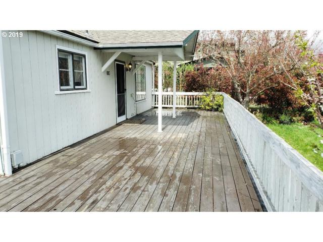 2120 NW Calkins Ave, Roseburg, OR 97471 (MLS #19033997) :: Townsend Jarvis Group Real Estate