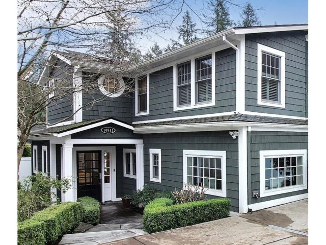 16511 Maple Cir, Lake Oswego, OR 97034 (MLS #19125529) :: HomeSmart Realty Group
