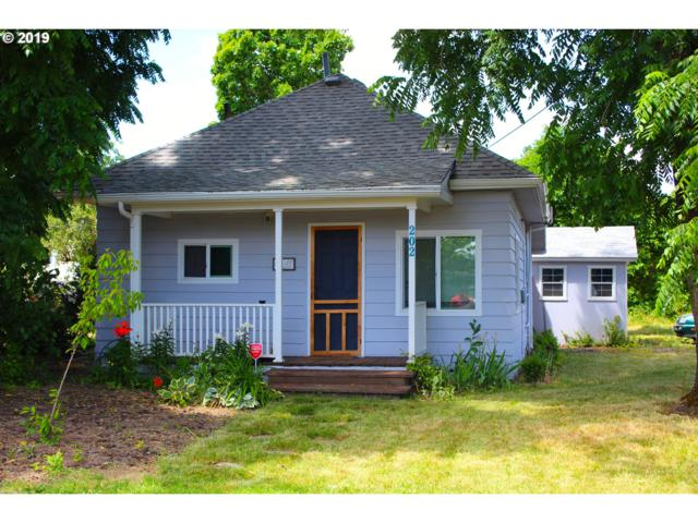 202 Getchell St, Amity, OR 97101 (MLS #19139585) :: The Galand Haas Real Estate Team