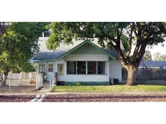 901 Y Ave, La Grande, OR 97850 (MLS #19258629) :: Change Realty