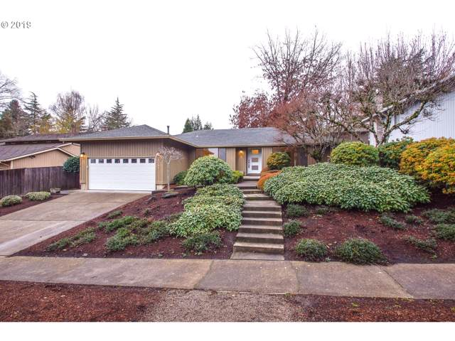 8285 SW Connemara Ter, Beaverton, OR 97008 (MLS #19261538) :: Cano Real Estate