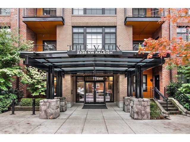 2335 NW Raleigh St #303, Portland, OR 97210 (MLS #19373400) :: Fox Real Estate Group
