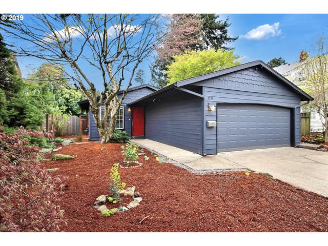 2725 NE 33RD Ave, Portland, OR 97212 (MLS #19410601) :: Song Real Estate