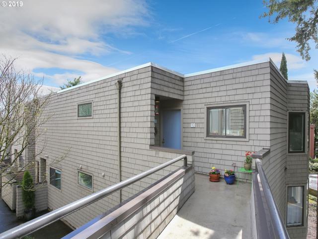 5858 SW Riveridge Ln #10, Portland, OR 97239 (MLS #19442375) :: The Galand Haas Real Estate Team