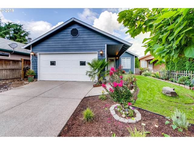 16905 SE Naegeli Dr, Portland, OR 97236 (MLS #19467067) :: Next Home Realty Connection